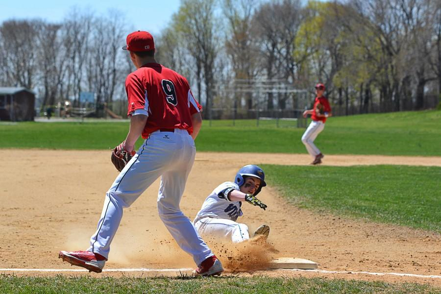 Upperclassmen dominated baseball team has early success: Following Strike Out Cancer event, team looks to end season with a playoff spot