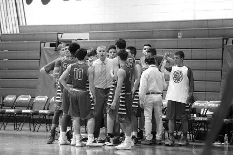 Boys basketball begins work towards strong 2016-2017 season