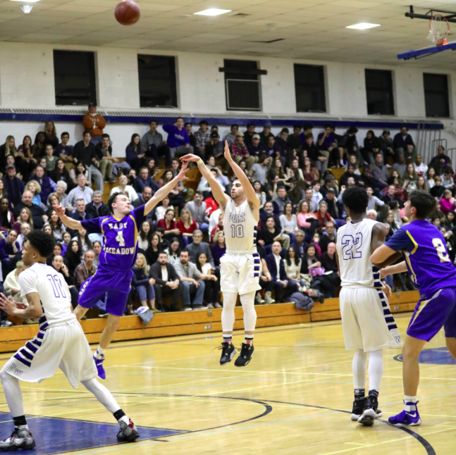 Boys basketball looks to finish 2017 strong