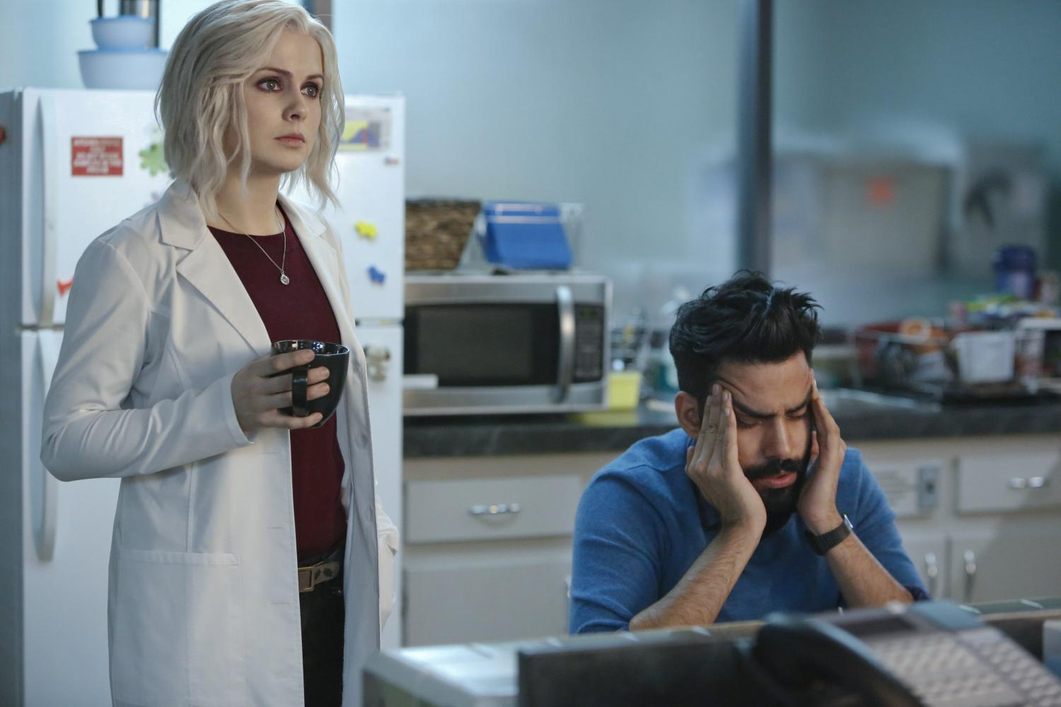 Zombie+Olivia+%27Liv%27+Moore+%28Rose+Mciver%29+working+side+by+side+with+her+exasperated+boss+Ravi+Chakrabarti+%28Rahul+Kohli%29+as+a+medical+examiner+to+help+solve+murders+and+satisfy+her+appetite.