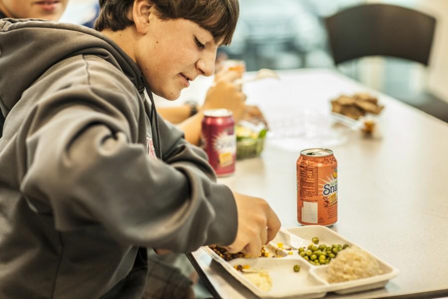 School+cafeteria+adopts+healthier+lunch+menu