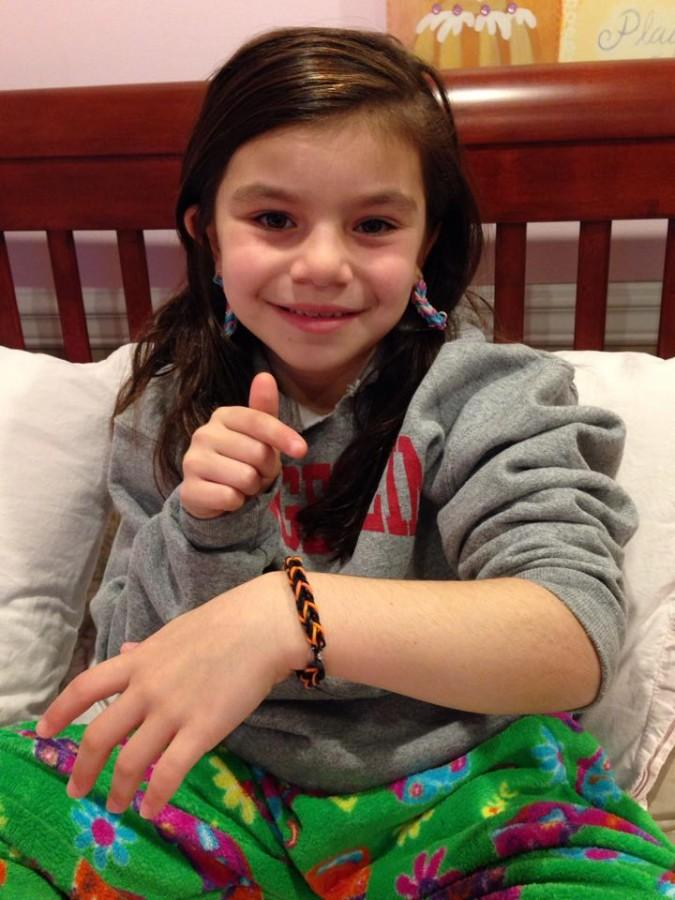 Elementary+student+creates+colorful+bracelets+for+hospital+patients