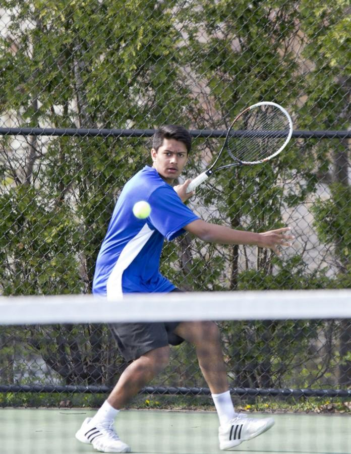 Boys tennis aces first half of season with six wins: At 7-1, varsity team looks to stay at top tier of conference and make run in playoffs