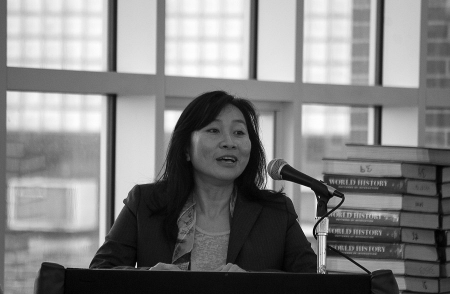 Thanhha Lai discusses her book with English honors students. Ms. Lai used prose poem as the style of writing in her novel and taught a workshop on the technique. She also participated in a Q & A session.