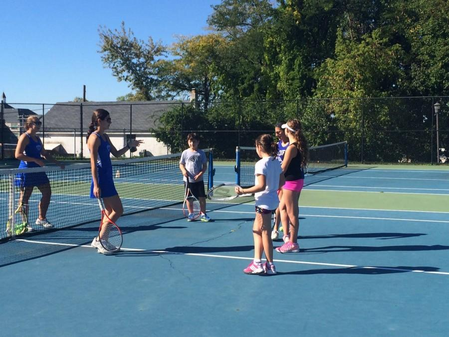 Girls+tennis+has+success+in+playoffs%2C+reaches+out+to+community