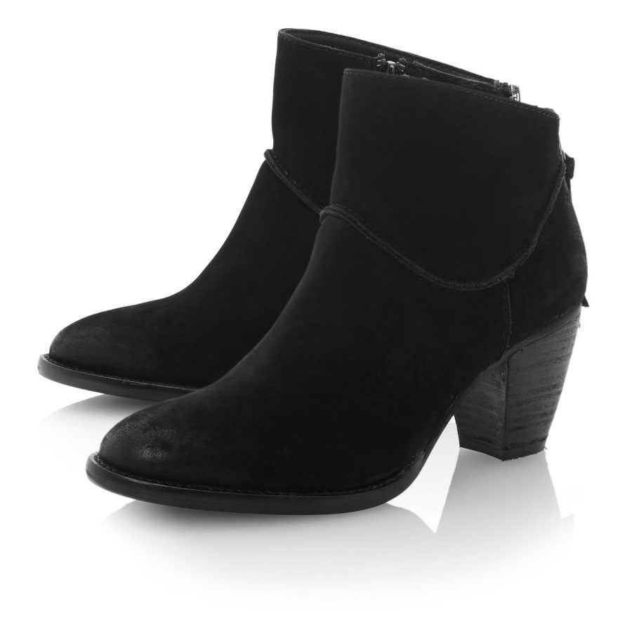 These+stylish+Steve+Madden+ankle+booties+are+this+fall%27s+new+trend.+They+are+perfect+for+going+out+in+the+city+or+just+hanging+with+friends+in+town.
