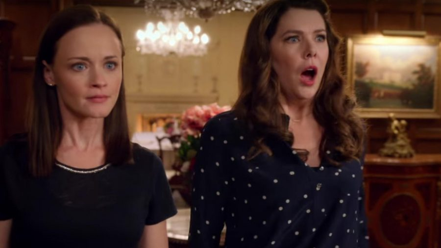 Rory+and+Lorelai%2C+played+by+Alexis+Bledel+and+Lauren+Graham%2C+go+to+a+family+dinner+at+Emily+Gilmore%27s+house.+Lorelai+is+shocked+by+the+news+that+Emily+is+giving+her.