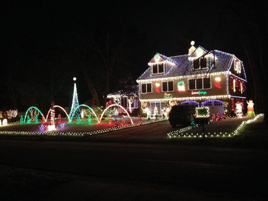 The+home+pictured+above%2C+on+Sunnyvale+Road+is+a+staple+on+the+list+of+best+holiday+lights+in+the+area.+The+decorations+are+supported+by+donations.+The+proceeds+go+towards+helping+teens+with+eating+disorders.