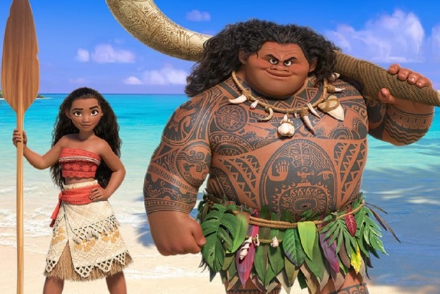 Moana+and+Maui%2C+voiced+by+Auli%27i+Cravalho+and+Dwayne+%22The+Rock%22+Johnson%2C+ready+to+travel+the+sea+and+save+people.