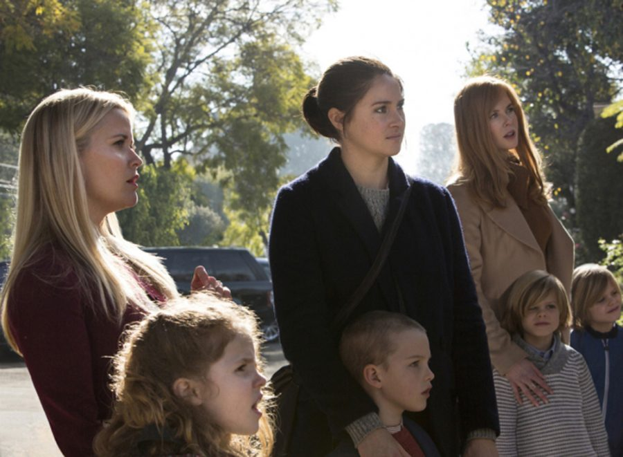 Big+Little+Lies+characters%27+Madeline+Mackenzie+%28Reese+Witherspoon%29%2C+Jane+Chapman+%28Shailenne+Woodley%29%2C+and+Celeste+Wright+%28Nicole+Kidman%29+standing+with+their+children.+The+show+follows+the+lives+of+these+women+and+their+families+as+their+lives+dramatically+change+after+countless+lies+are+told.