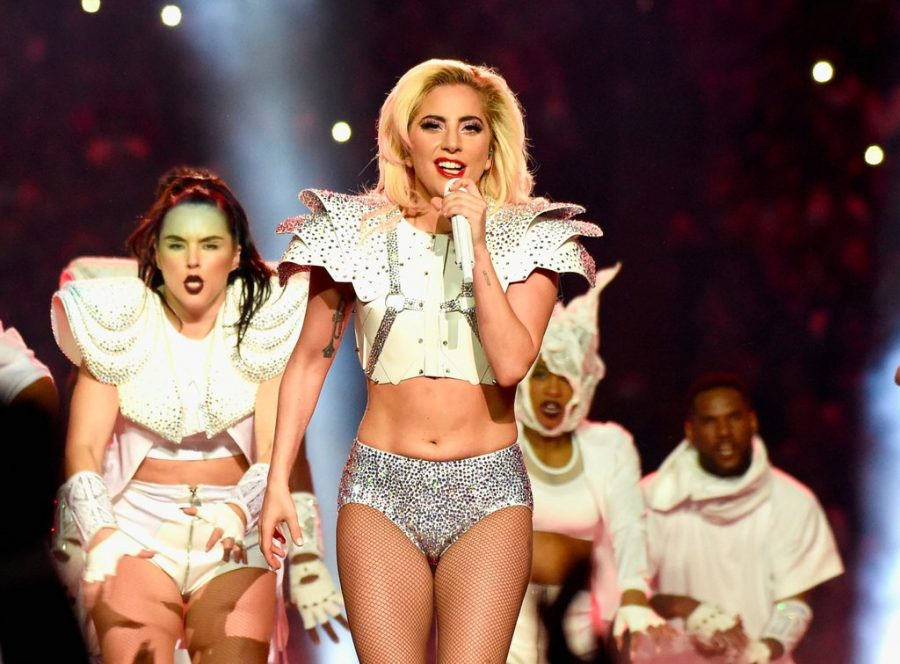 Lady+Gaga+stuns+the+crowd+as+she+sings+a+melody+of+%22A+Million+Reasons%2C+Born+This+Way%2C+Poker+Face%2C+and+Edge+of+Glory.%22