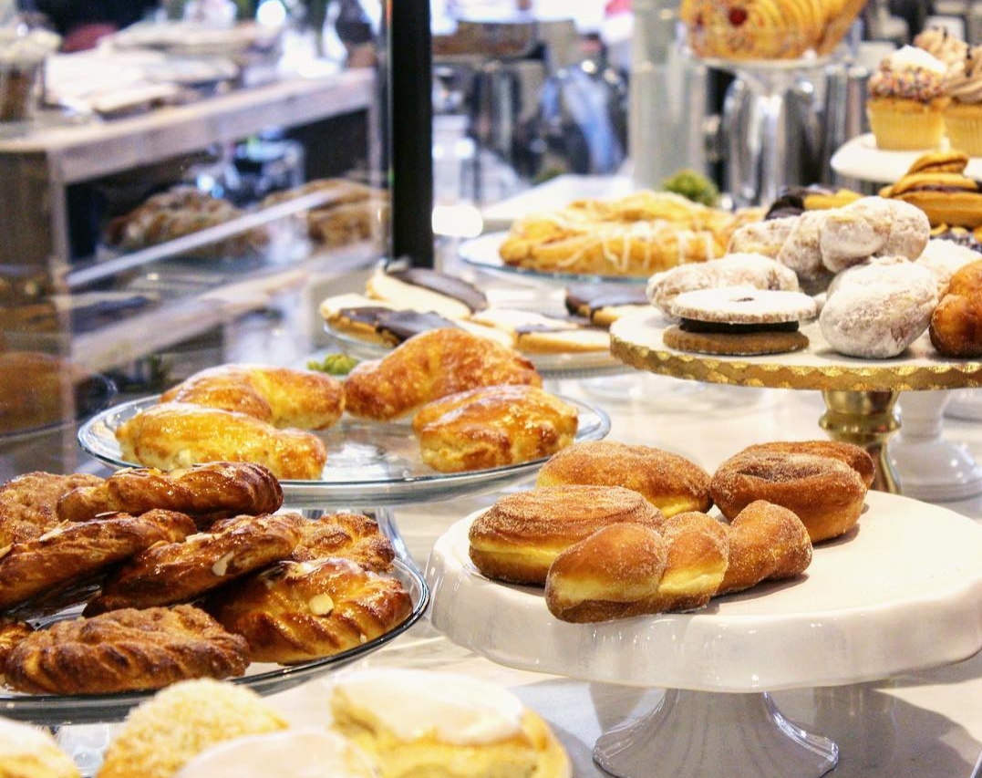 Schmear+has+a+wide+variety+of+pastries+on+sale.+Each+one+is+homemade%2C+including+muffins%2C+cookies%2C+danishes%2C+and+other+delicacies.