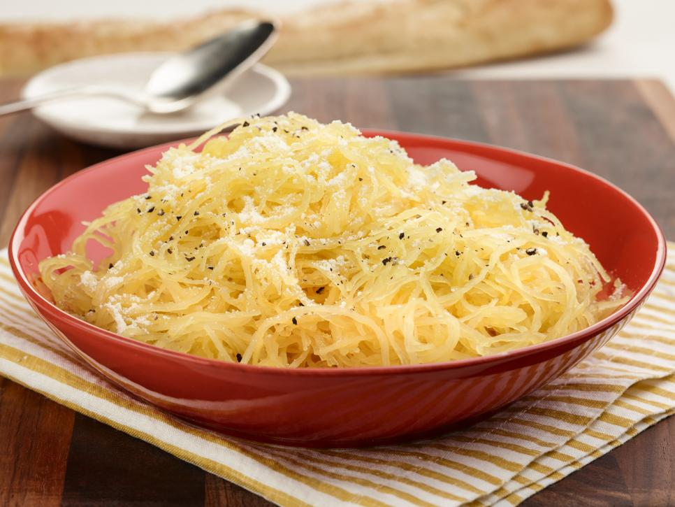 Spaghetti squash is a super delicious meal. Many people eat it as a healthier alternative for pasta.