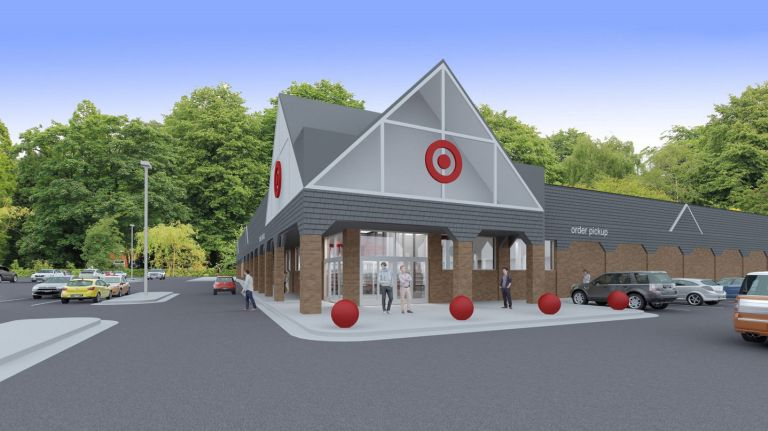Target+officially+opened+in+Soundview+on+October+18%2C+2017.+Since+then%2C+Soundview+Plaza+has+seen+an+increase+in+visitors+and+competition+amongst+business+owners.