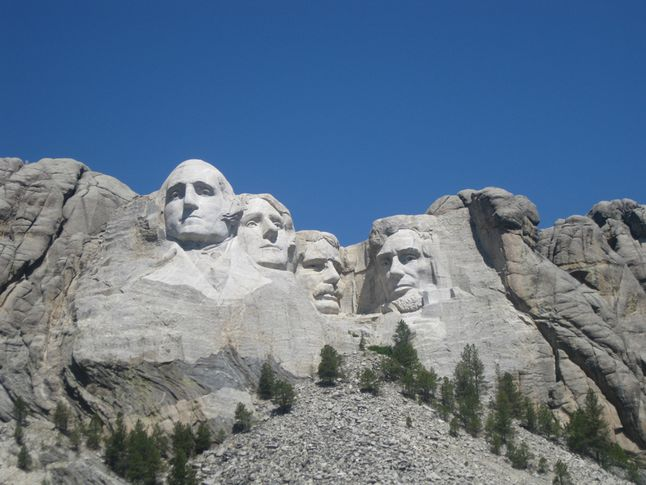 Mount+Rushmore+in+South+Dakota+serves+as+a+physical+representation+of+the+accomplishments+of+past+presidents.+George+Washington%2C+Thomas+Jefferson%2C+Theodore+Roosevelt%2C+and+Abraham+Lincoln+are+put+on+display+for+the+public+to+appreciate+their+great+endeavors%2C+those+of+which+Presidents%27+Day+is+dedicated+to.