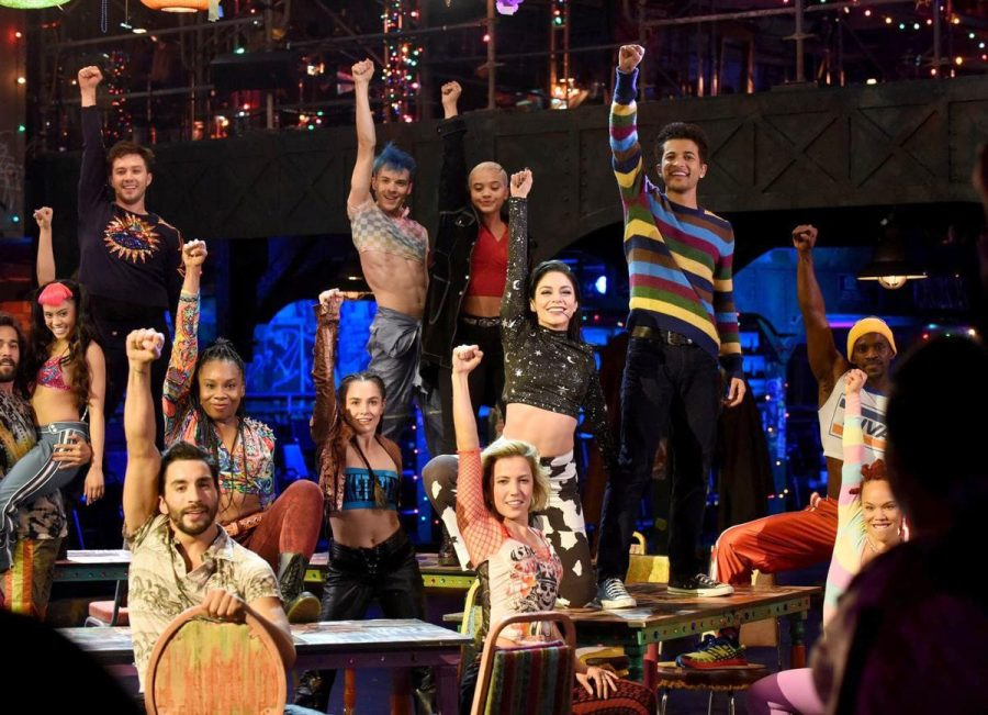 "Live"" Broadway show ""Rent"" fails to pay back viewers"