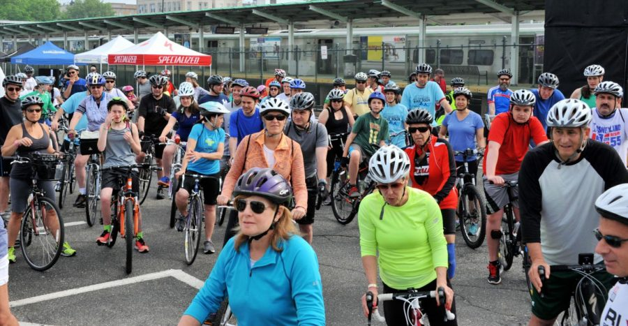 Lauri Strauss Foundation organizes bike tour around Port Washington