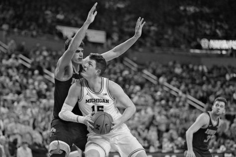 John Teske plays in a home game for Michigan against Oregon on Dec. 14. Oregon went on to win 71-70.